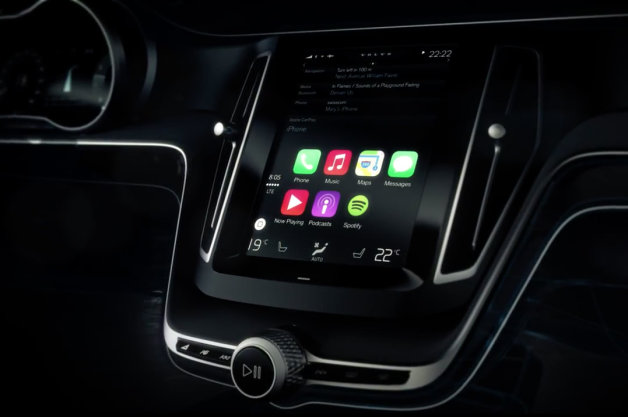 Apple CarPlay in Volvo Autoblog.com